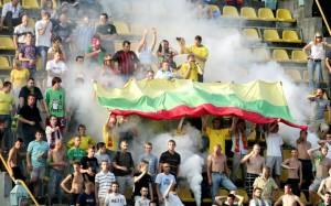 lietuvos-futbolo-sirgaliai-4fd709d8a00d6[1]